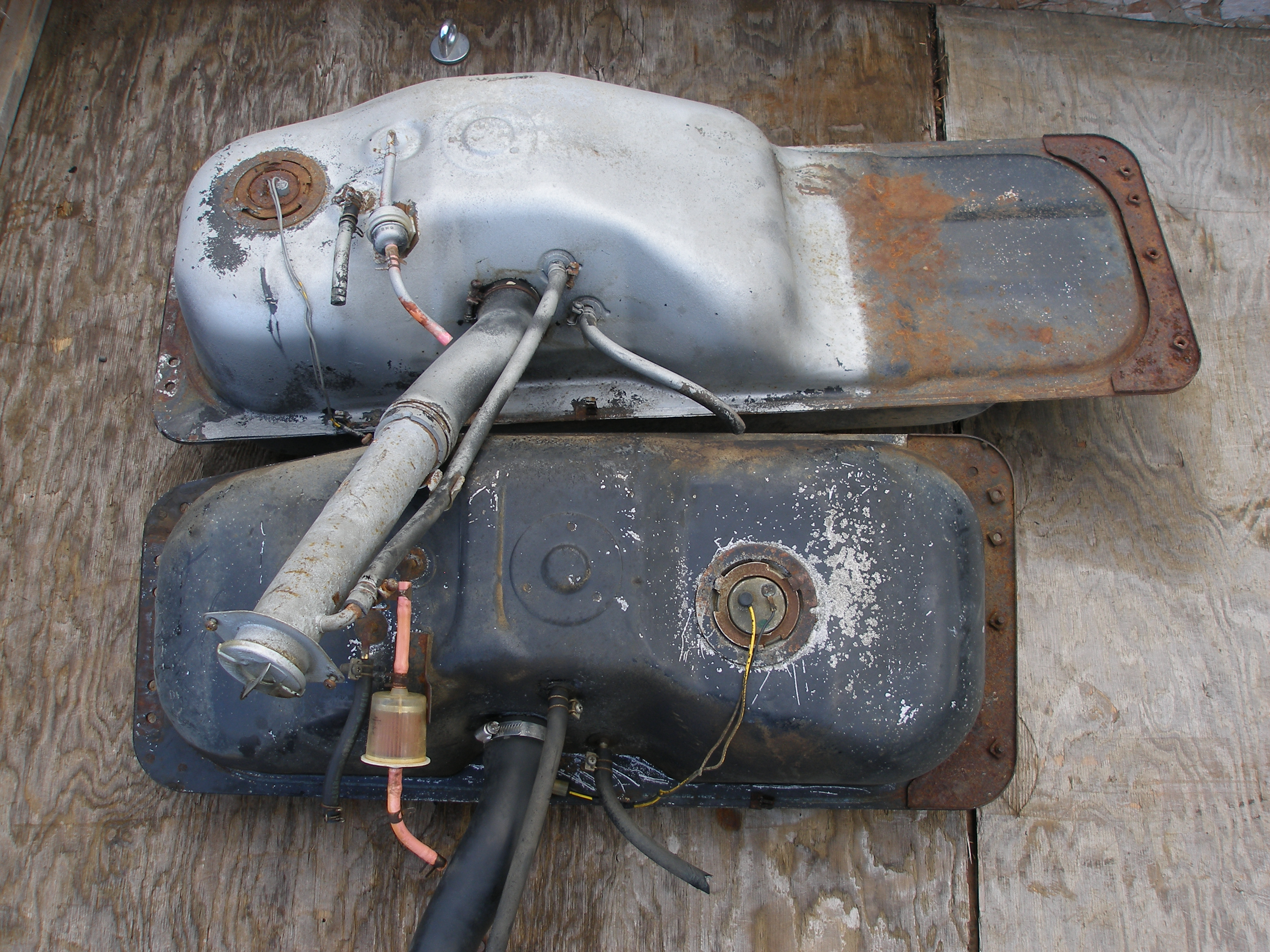 how to open nissan xtrail fuel tank