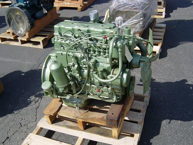 Lots-O-Nissan diesels - NissanDiesel